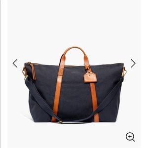 The Essential Overnight Bag in Canvas Black Sea